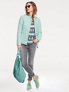 Pantalon jean coupe droite ajustée, style cinq poches