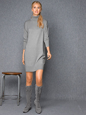 Robe pull col roulé en tricot, manches amples