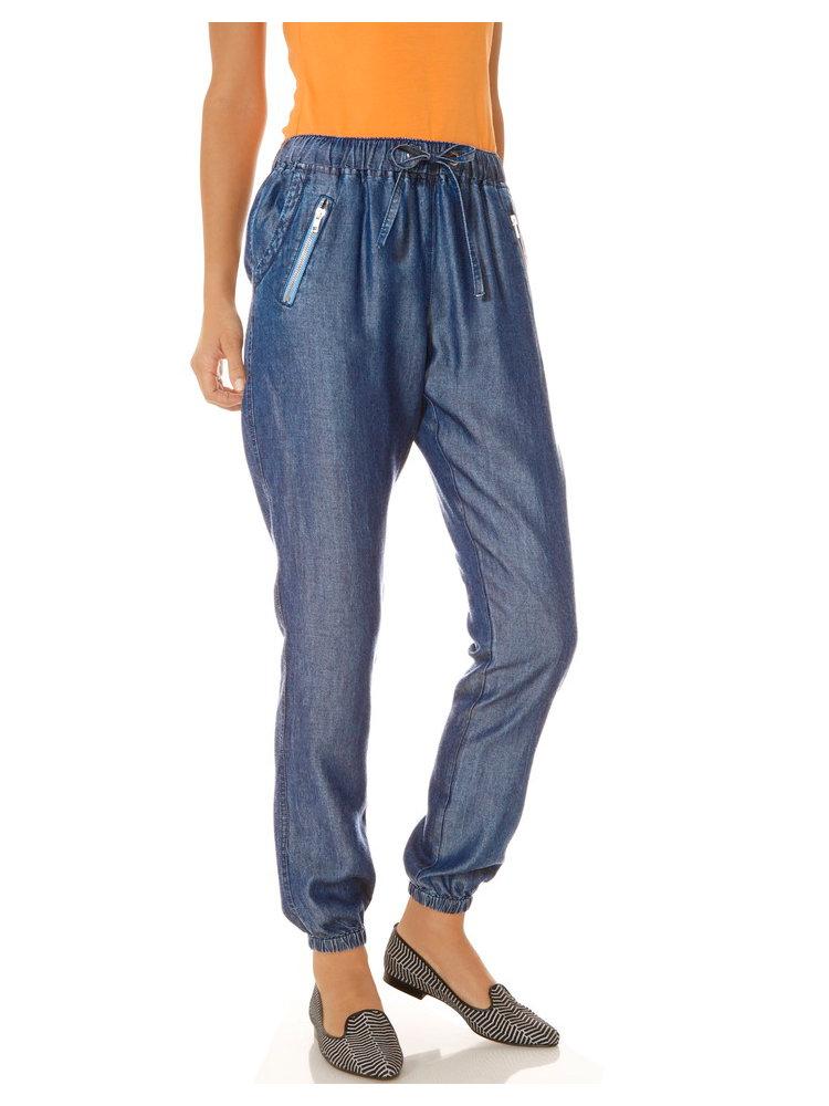 pantalon jogging femme effet jean poches zipp es helline. Black Bedroom Furniture Sets. Home Design Ideas