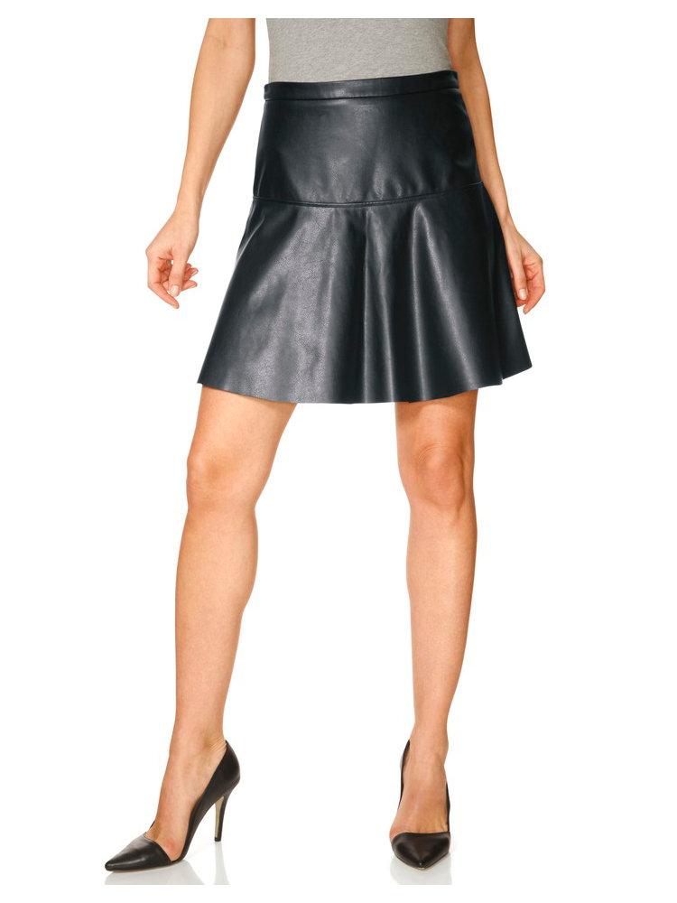 jupe courte en simili cuir noir coupe vas e tendance helline. Black Bedroom Furniture Sets. Home Design Ideas