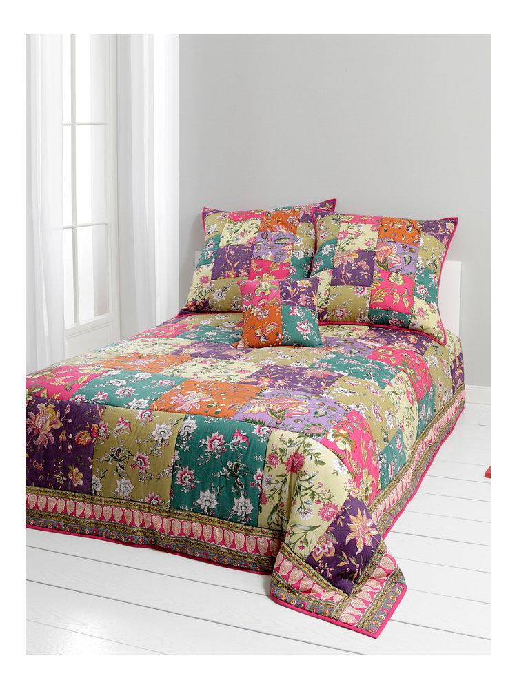 dessus de lit fleurs table de lit. Black Bedroom Furniture Sets. Home Design Ideas
