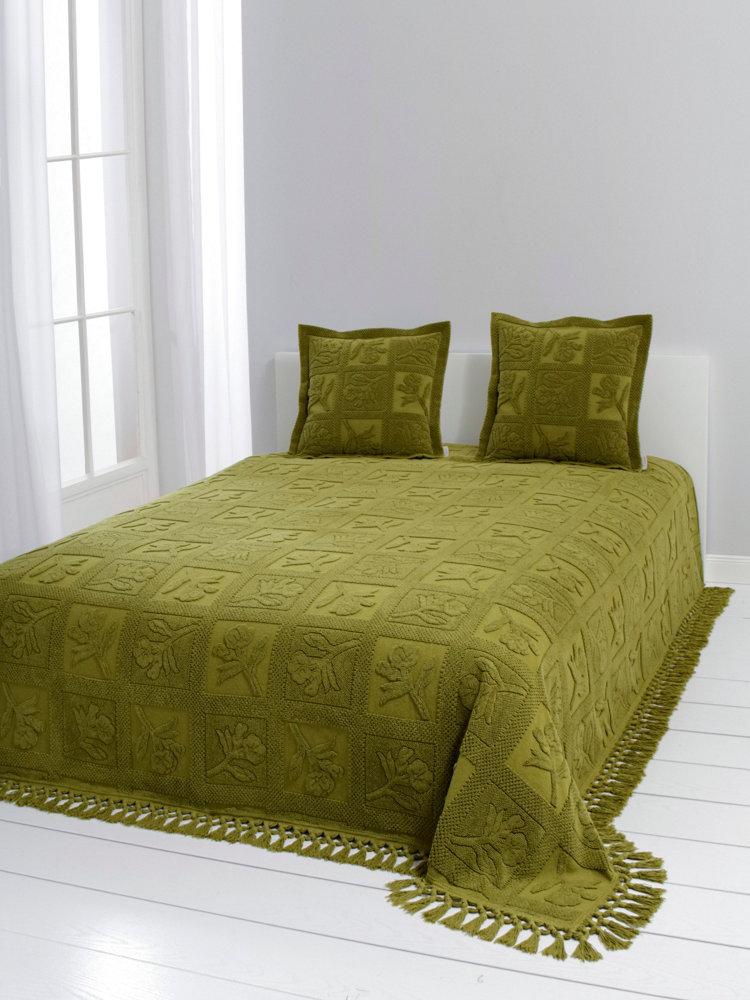 Couvre lit l gant uni 100 coton motifs et franges helline - Couvre lit coton ...