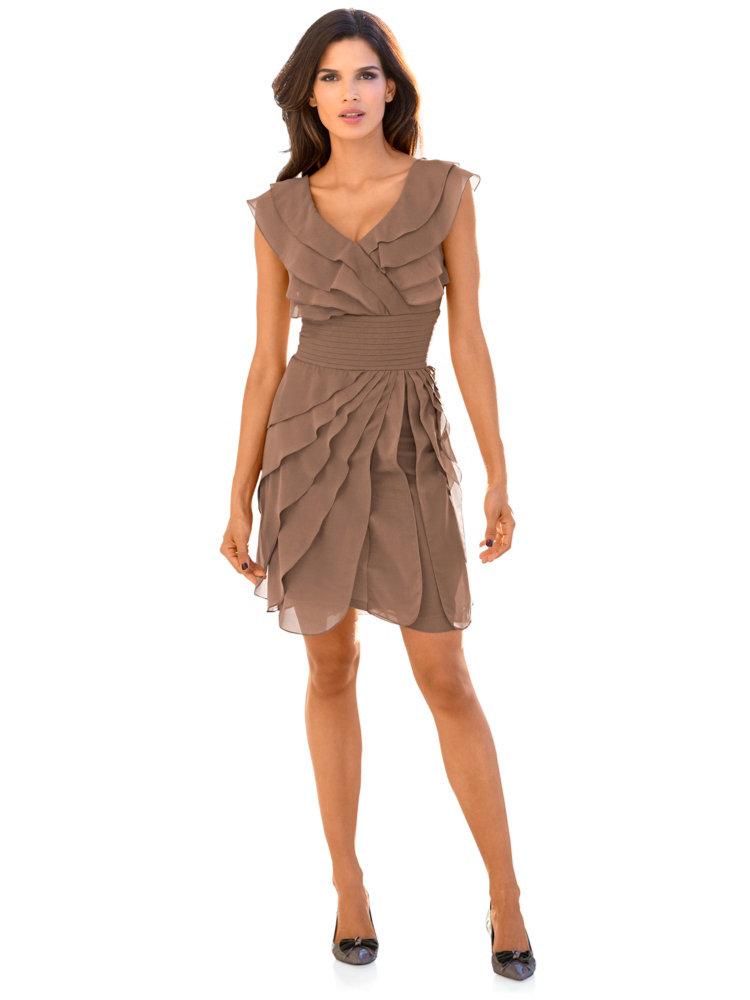 robe courte fluide volants coupe ajust e f minine helline. Black Bedroom Furniture Sets. Home Design Ideas