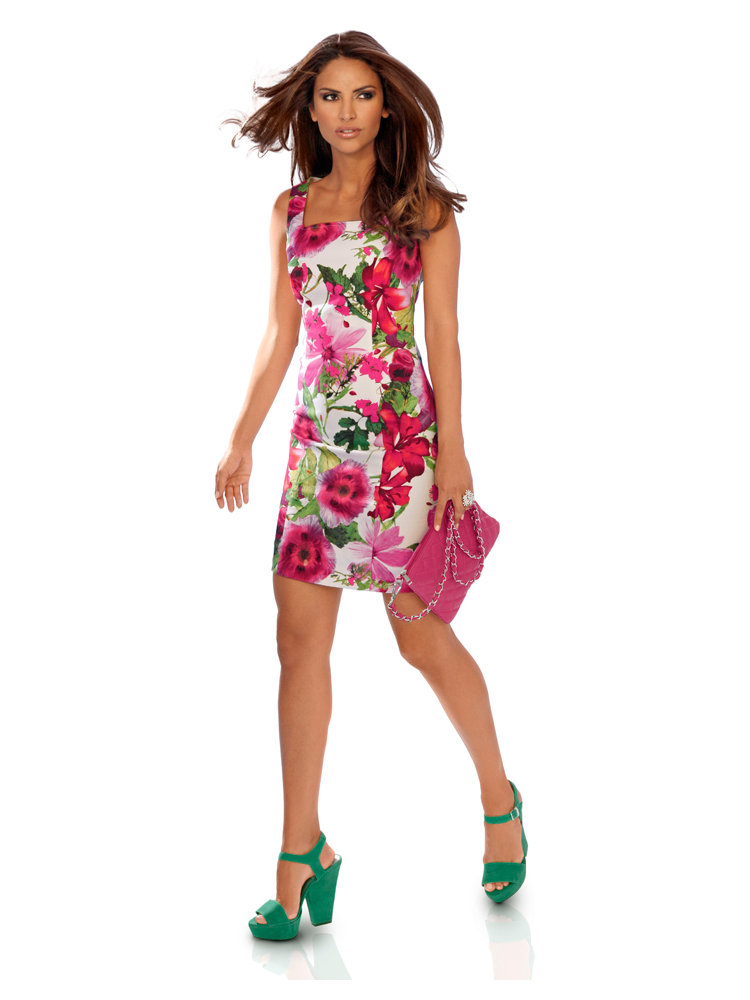 robe d 39 t blanche fleurs roses d collet carr helline. Black Bedroom Furniture Sets. Home Design Ideas