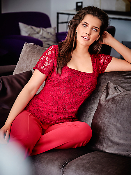 Guido Maria Kretschmer - T-shirt en dentelle élégant pour femme, encolure carrée