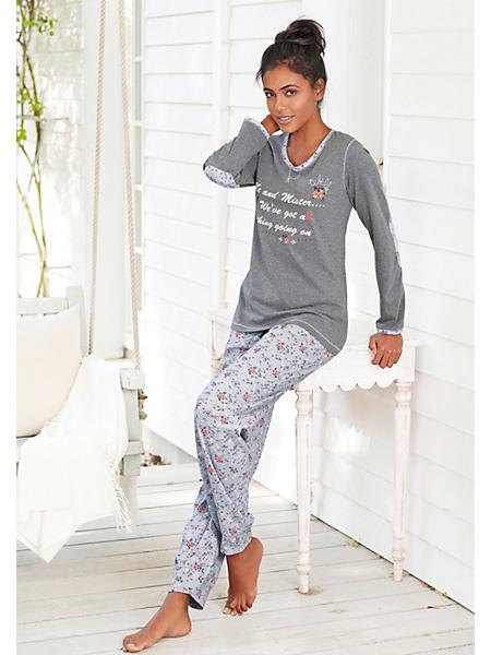 REBELLE - Superbe pyjama, de Rebelle, qualité douce et fluide avec un motif floral raffiné