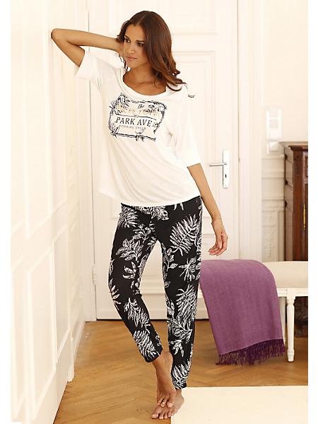 Lascana - Pyjama haut de gamme LASCANA. Pantalon en contraste noir-blanc, T-shIrt à manches courtes avec imprimé actuel devant